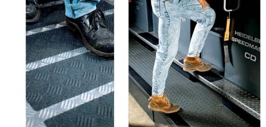 Противоскользящая лента 3M Safety-Walk формируемая для неровных поверхностей 510 черный цвет 51 мм